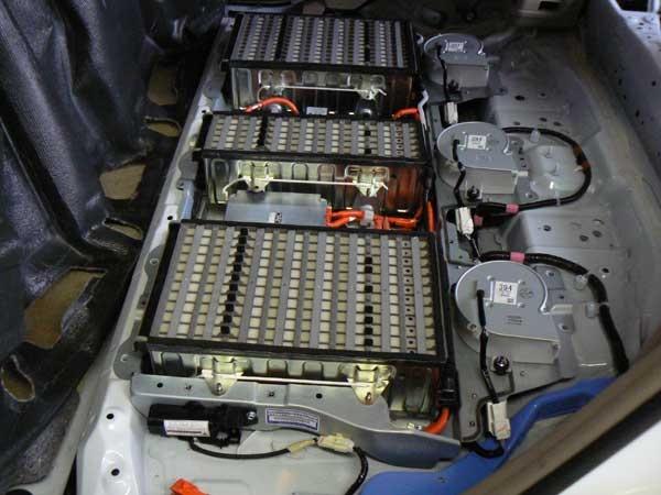automotive_battery_600